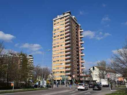 WOHNUNG MIT AUSSICHT! Gepflegte 2-Zimmer-Wohnung mit Balkon in S-Rot