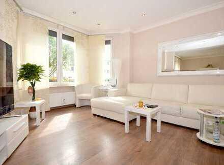 Mit besonderem Flair: Modern ausgestattetes Haus mit herrlichem Garten...