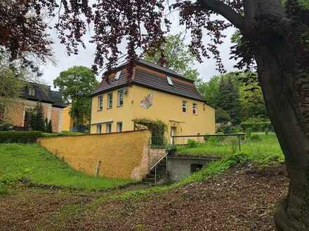 Kleines Einfamilienhaus in Villen Lage Pößnecks