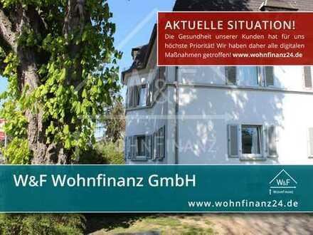 Denkmalgeschützte, kernsanierte Altbauwohnung mit Charme in zentraler Lage!