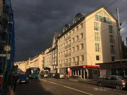 Mega geiles Dachgeschoss in der Bruchfeldstraße 29 mit Traumblick über FFM !!