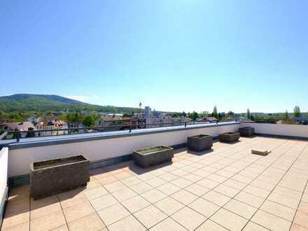 Stilvolle, modernisierte 3-Zimmer-Penthouse-Wohnung mit 60m2 Süd-Balkon in Baden-Baden