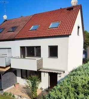 Schöne Doppelhaushälfte mit großem Garten und Garage sucht neue Mieter- / innen mit grünem Daumen