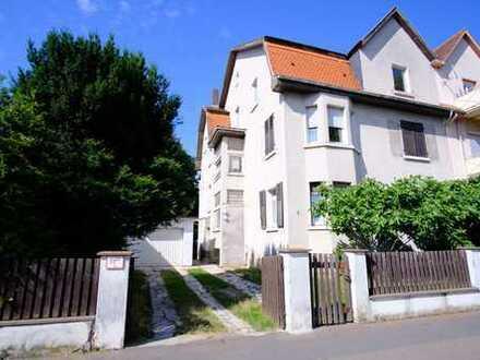 Achtung Altbauliebhaber: luxussanierte 4-Zimmer-Wohnung in Friedberg (West) zu vermieten