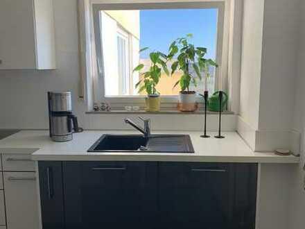 Helle Wohnung von privat, modernes Bad und EBK