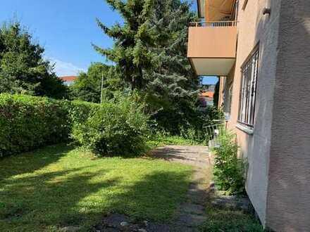Stilvolle, sanierte 2-Zimmer-Erdgeschosswohnung mit EBK in ruhiger zentr. Lage von Kirchheim/Teck