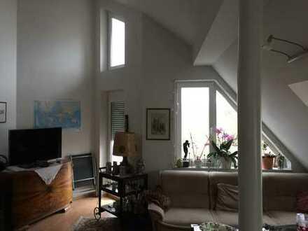 Von Privat: schöne 2-Zimmer-Wohnung mit EBK u. Balkon - Provisionsfrei