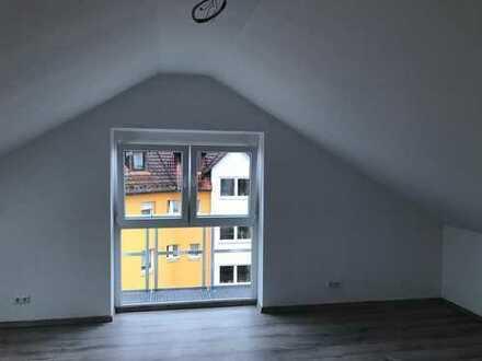 Freundliche 2-Zimmer-DG-Wohnung zur Miete in Asbach-Bäumenheim