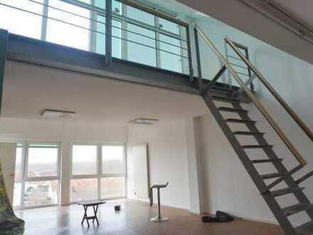 Außergewöhnliches, loftartiges Büro in Dietzenbach-Steinberg