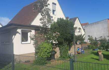 Großzügiges freistehendes Einfamilienhaus mit 6 Zimmern und großem Garten in der Nähe von Darmstadt