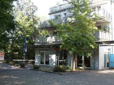 KL-Wiesenthalerhof - Ladenlokal/Café mit 9 PKW-Stellplätzen und kleiner Garage