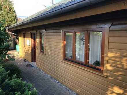 Niedrigenergie Holzhaus in Sackgassenlage