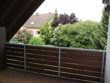 Großzügige 3-4-Zi-Wohnung mit 2 Sonnenbalkonen und EBK in sehr ruhiger Lage in Limburg-Dietkirchen