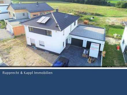 Neuerbautes Einfamilienhaus in Teublitz mit großem Garten und Einbauküche