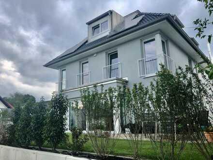 Schöne, hochwertige und geräumige Neubau-DHH mit fünf Zimmern in München, Fasanerie (für 2 Jahre)