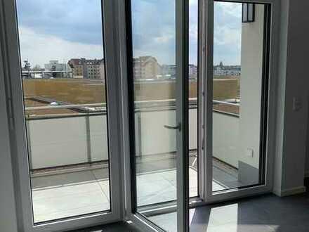 2ZKB Neubau, höchste Etage, Süden, Langen Hbf / New luxury 2bedroom on top floor with south balcony