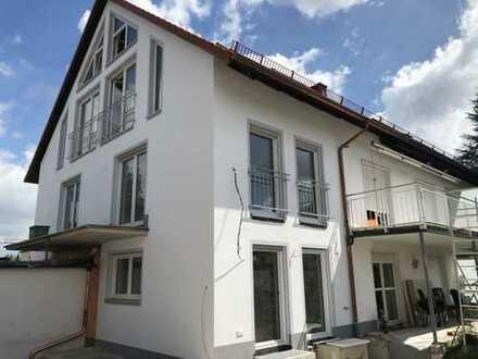 Schöne, geräumige sechs Zimmer Wohnung in München, Untermenzing