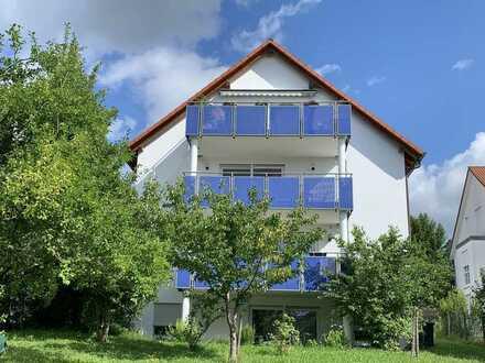 Moderne 2,5 Zimmerwohnung mit Einbauküche, Terrasse und zusätzlicher Solaranlage für Warmwasser