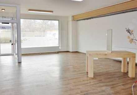 Großzügiges Wohn-/ Geschäftshaus mit Büro, Ausstellungs- und Lagerfläche, flexibel nutzbar!