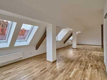 Beeindruckende 4 Zimmer-Dachgeschoß-Wohnung in der Gartenstadt gesucht?