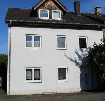 Gepflegte 3 Zimmer Dachgeschosswohnung in Volkhoven / Weiler