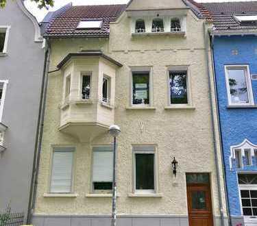 Erstbezug nach Sanierung: Sehr schöne 2-Zimmer-Wohnung mit Einbauküche und Balkon in Bad Honnef