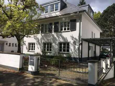 Einfamilienhaus in Bestlage, Alt-Weiden, Schillerstr. 23b / Emil-Schreiterer-Platz