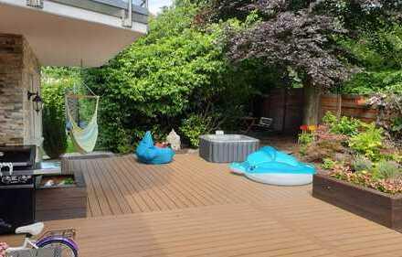Kernsanierte Gartenwohnung mit Garage und Küche