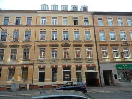 2 Zimmer mit EBK und Balkon