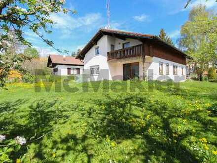 Wohnen in idyllischer Umgebung: 4-Zi.-ETW in Zweifamilienhaus mit Loggia und Gemeinschaftsgarten