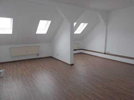 Ruhig gelegene 2-Zimmer-Wohnung im Dachgeschoss
