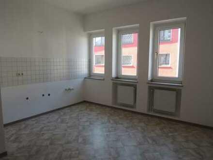 Schicke Wohnung mit Einbauküche und Wintergarten-Flair