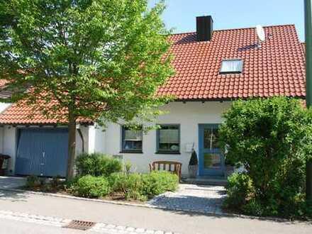 Schönes, geräumiges Haus mit sechs Zimmern in Günzburg (Kreis), Offingen