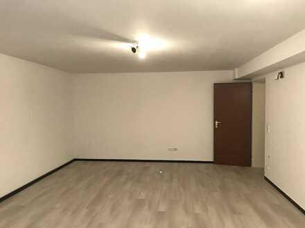 Freundliche und großzügige 1-Zimmer Wohnung im Soutterain