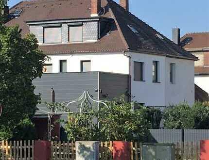 Vollständig renoviertes Reihenendhaus mit fünf Zimmern und EBK in Heusenstamm, Heusenstamm