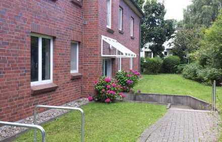 Schöne 3-Zimmer-Wohnung in zentraler Lage von Groß Flottbek mit Terrasse, Garten, EBK und TG-Platz