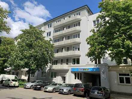 **** 3 Zimmer Wohnung / Hochpaterre mit Dielenboden **** in Hamburg Winterhude