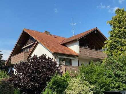 **Schöne Dachgeschosswohnung über die gesamte Etage**