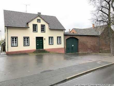Denkmalgeschützter Vierseitenhof mit ca. 2.000 m² zusätzlicher Wohnbaufläche