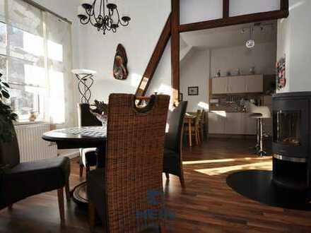 Wunderschöne Wohnung mit Kamin, Carport und Einbauküche.