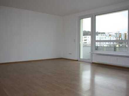 Sehr schöne, vollständig renovierte 4-Zimmer-Wohnung mit Balkon und EBK in Oberursel