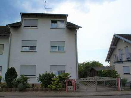 Schöne 3-Zimmer-Wohnung mit Balkon, Keller, Stellplatz in der Heimstättensiedlung *provisionsfrei*