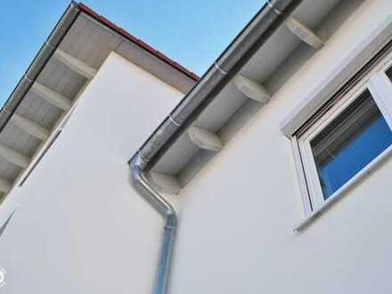 gemütliche Dachgeschoß-Wohnung in einem 3-Parteienhaus inmitten netter Nachbarn.