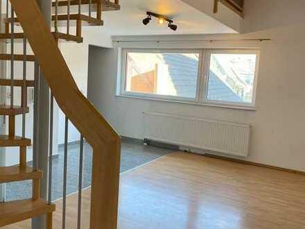 Gepflegte 3,5-Raum-Maisonette-Wohnung mit Balkon und Einbauküche in Rheinstetten