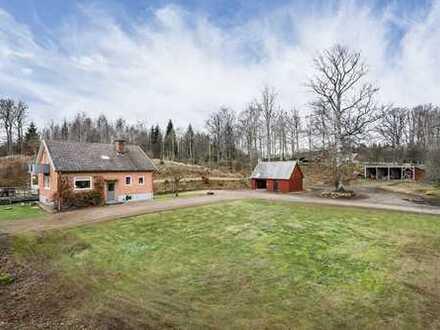 Kleinerer Hof außerhalb von Lönsboda. Jagd Möglichkeit