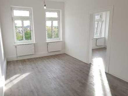 **Erstbezug n. Kernsanierung** Klassisch geschnittene 3-Raumwohnung im sanierten Altbau + gr. Balkon