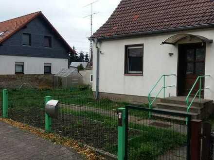 Freundliche Doppelhaushälfte mit vier Zimmern und EBK in Seelow, Werbig O.T Seelow