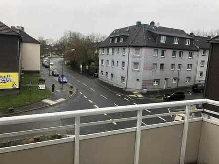 Sanierte 2 Zimmer-Wohnung mit Balkon