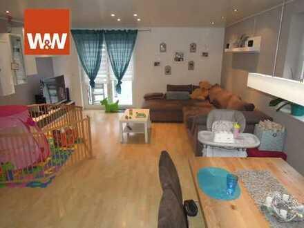Neuwertige Wohnung im ruhigen 3-Familienhaus