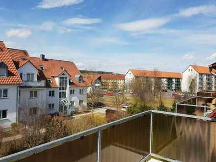 Schöne 4-Zimmer Wohnung über 2 Etagen Balkon Stellplatz+Garage